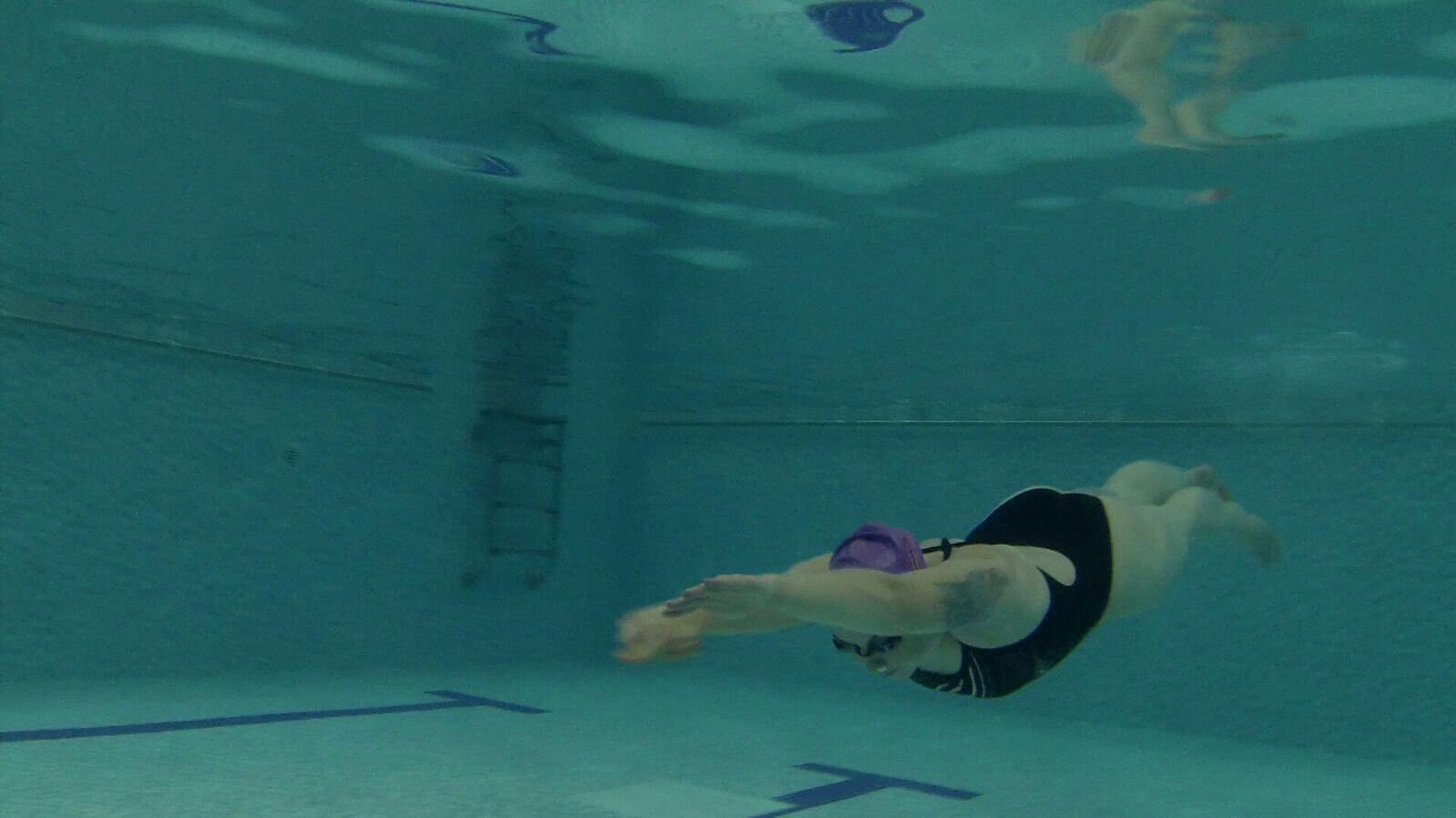 Lowri Tynan Dive